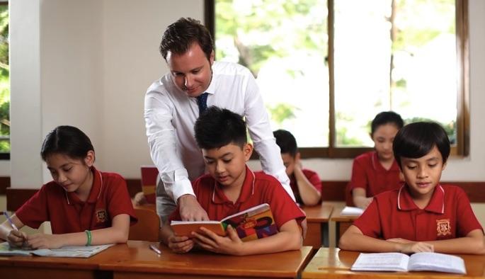 Giáo viên cầ tư vấn và hỗ trợ từng học sinh, học viên